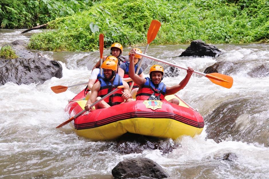 Paket Aktivitas Rafting di Sungai Ayung Bali | Balitripin.com