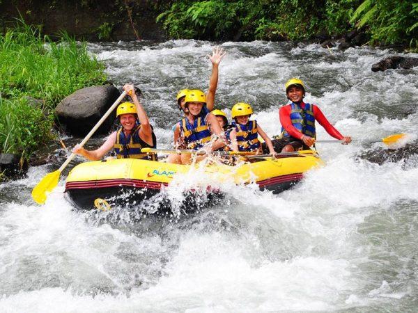 Paket Aktivitas Rafting di Sungai Telaga Waja Bali