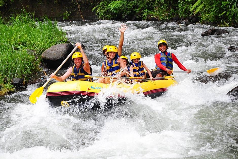 Paket Aktivitas Rafting di Sungai Telaga Waja Bali | Balitripin.com